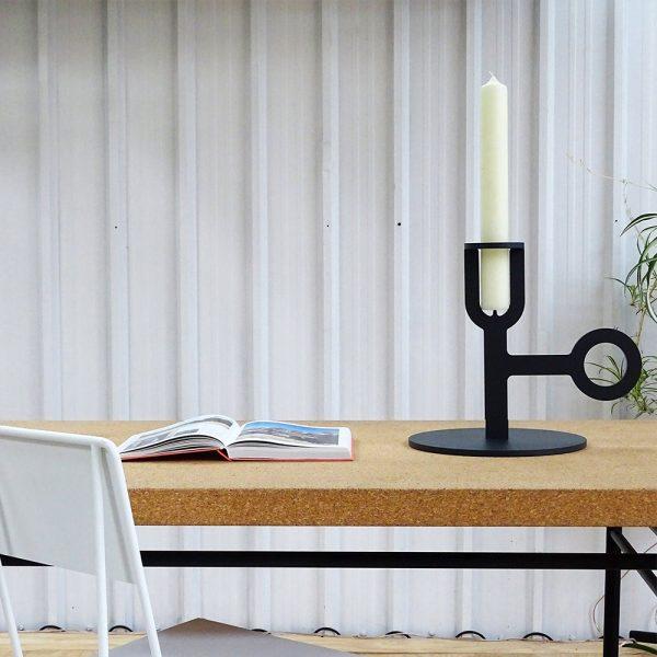 Carry on big black low kandelaar groot Chez Freddy art & design in Haarlem